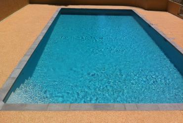 Rénovation d'une piscine de copropriété à Bandol: Etanchéité, plages, réseaux hydrauliques, local technique