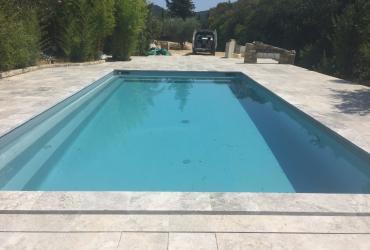 Transformation d'une piscine coque en piscine béton liner armé au castellet, var.
