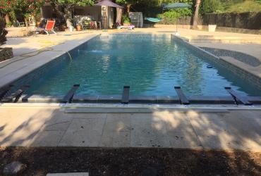 Volet automatique piscine en rénovation sur Toulon