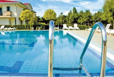 Rénovation de piscine : quand et comment rénover son bassin ?