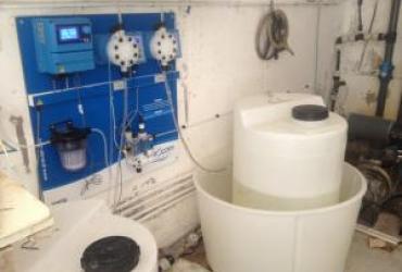 Pose d'un traitement automatique pour une piscine d'une coproriété à bandol
