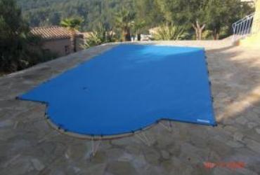 La bache de sécurité piscine