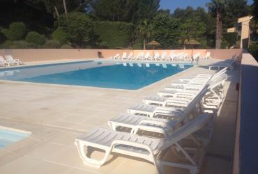Le nettoyage piscine: les contrats d'entretien