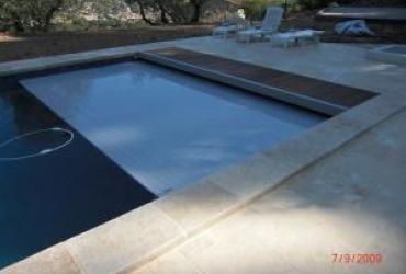 Un volet roulant piscine immergée: chantier à solliès pont (83)