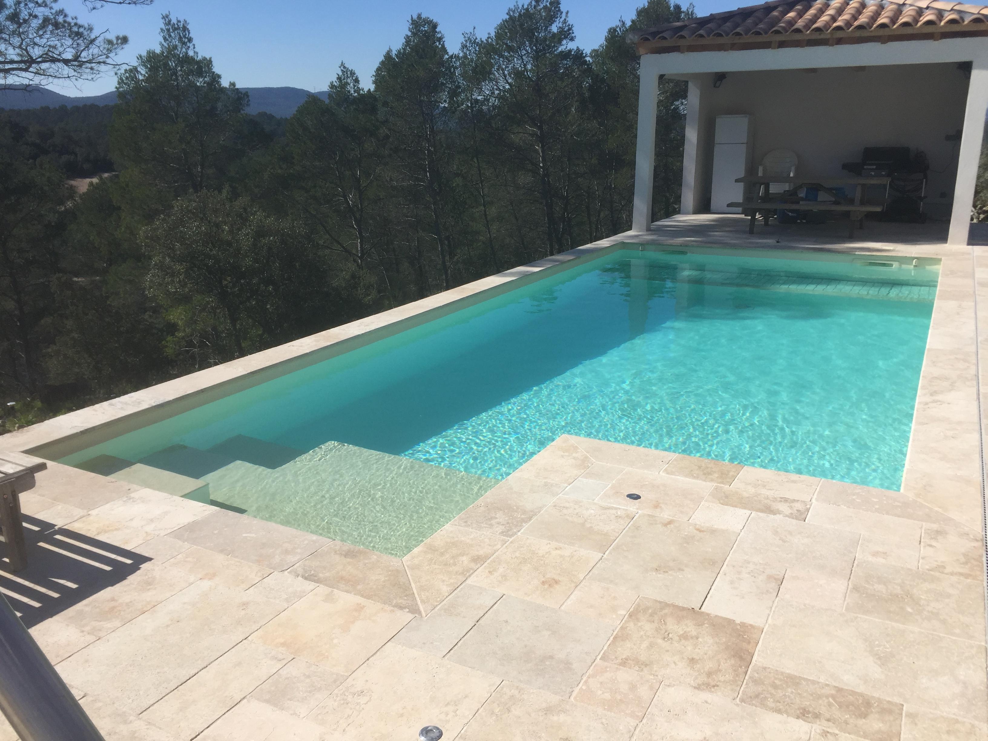 Changer la couleur de l\'eau de votre piscine ! - Rénovation ...