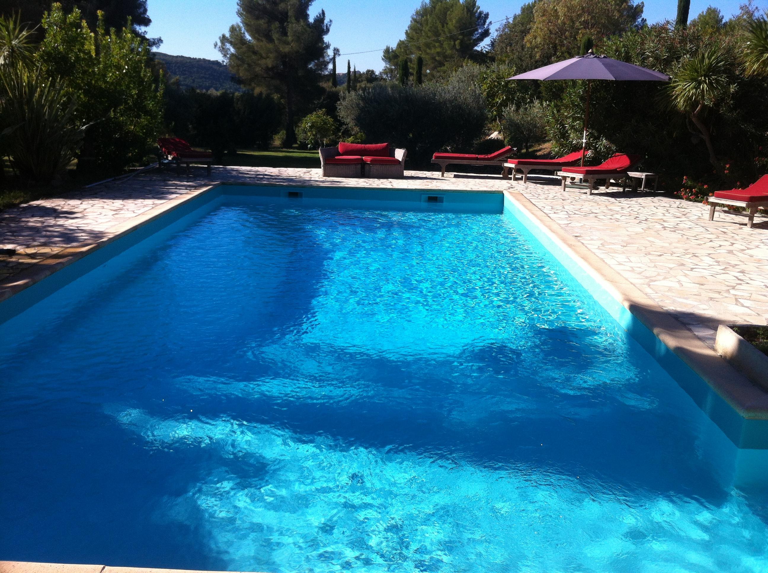 La pose d 39 un liner arm vert cara be sur une piscine au for Liner arme piscine sur mesure