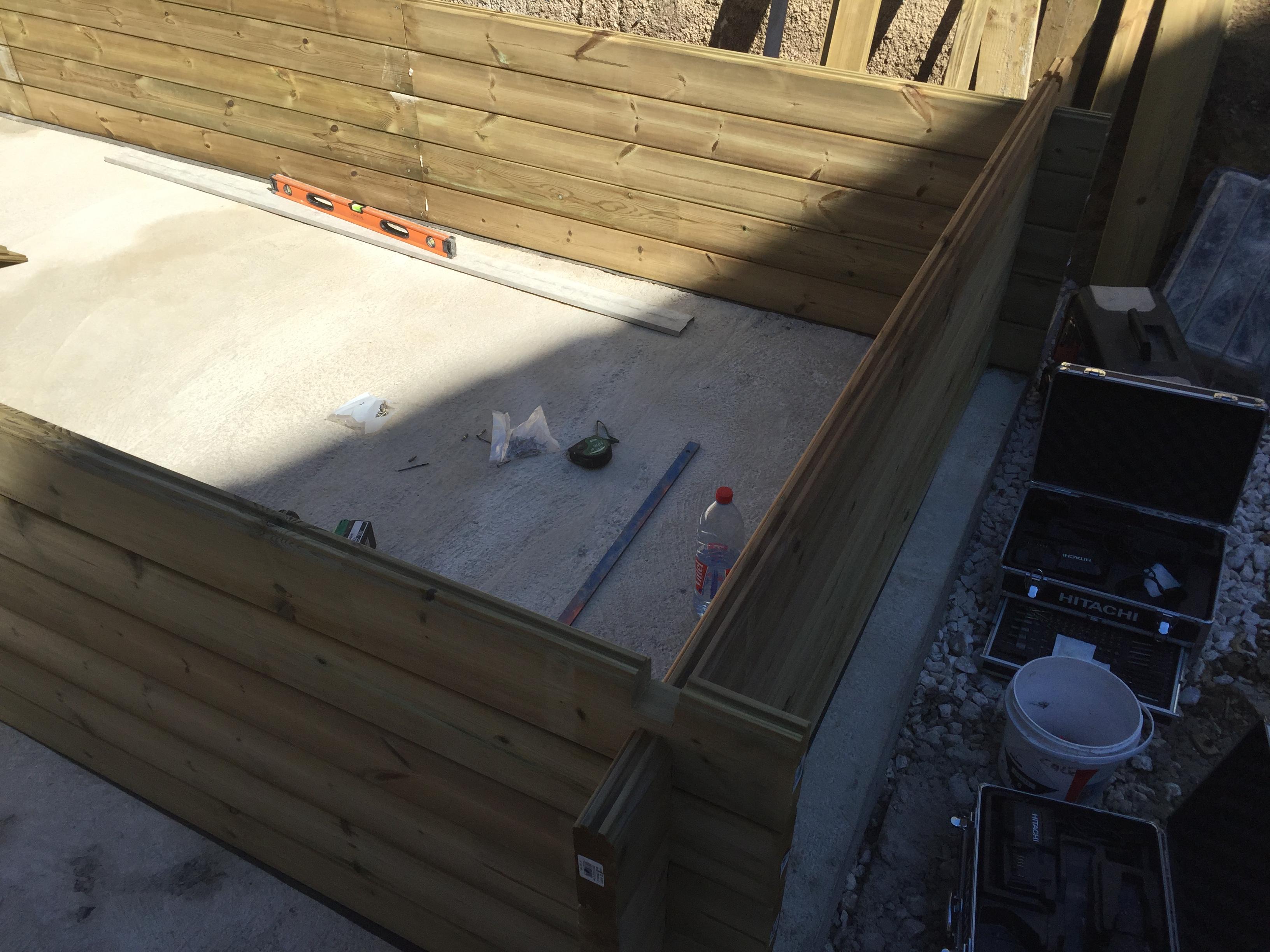 Construction D Une Piscine faire construire une piscine en bois - construction de