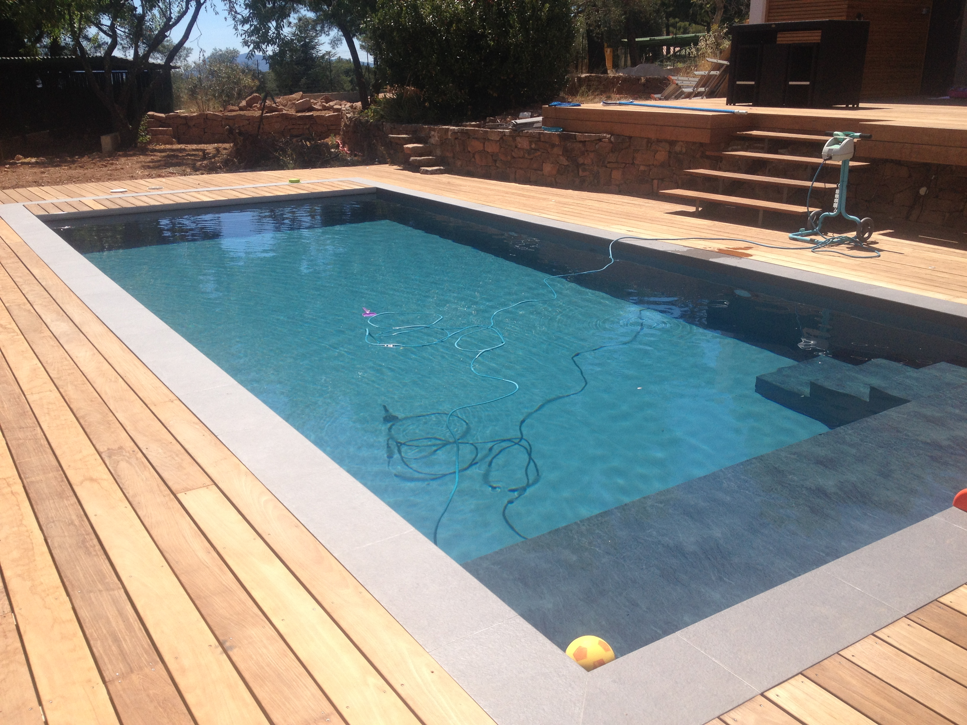 La construction de piscines pr tes plonger for Piscine construction