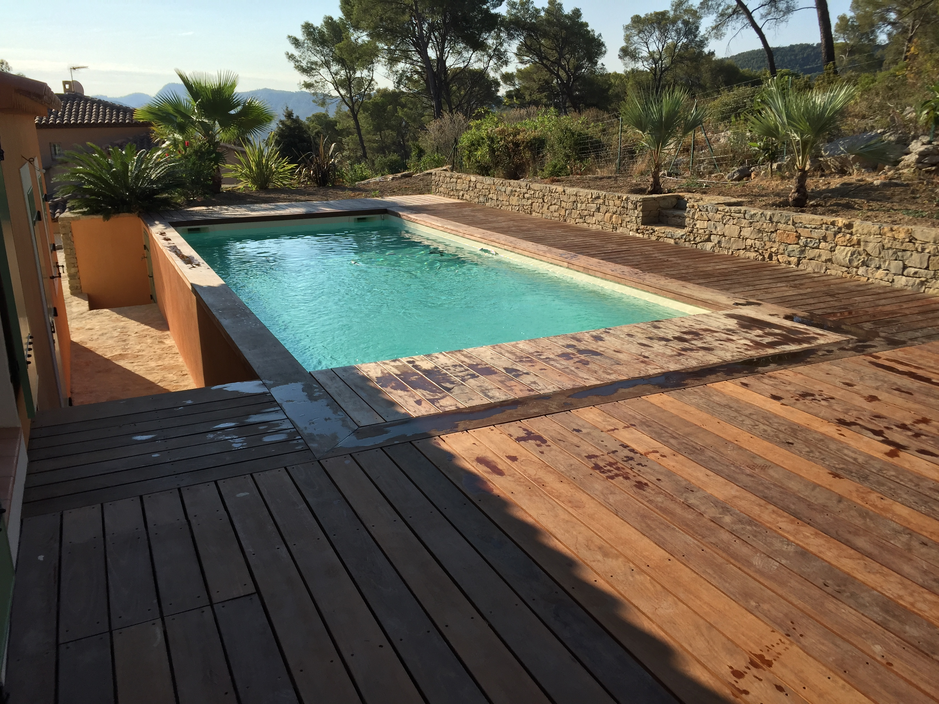 La construction de piscines prêtes à plonger