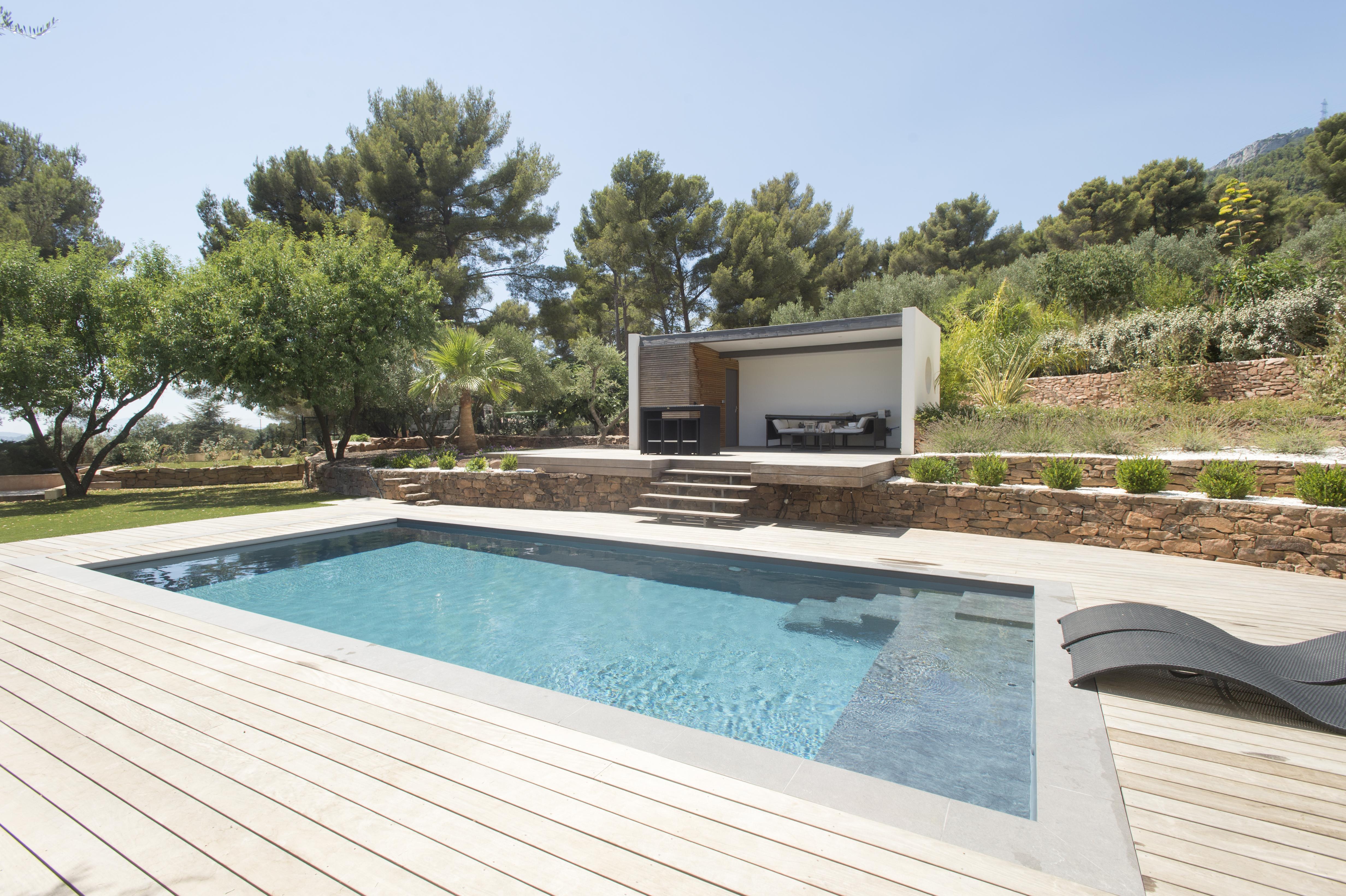 Changer la couleur de l 39 eau de votre piscine for Changer liner piscine prix