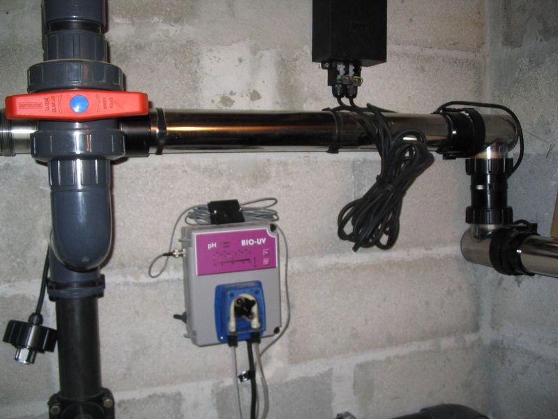 La piscine aux bio uv entretien traitement de l 39 eau for Traitement eau piscine uv