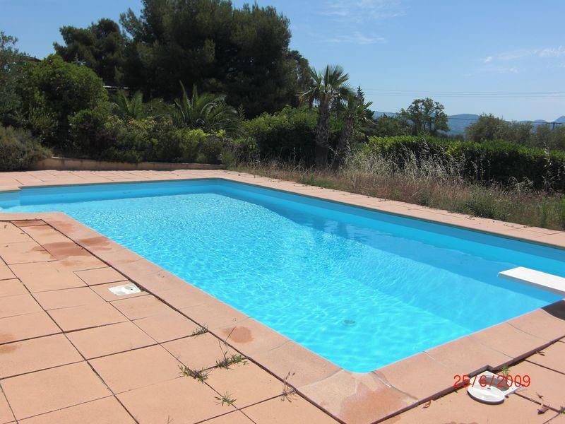 Changer la couleur de l\'eau de votre piscine ! - Rénovation de piscine