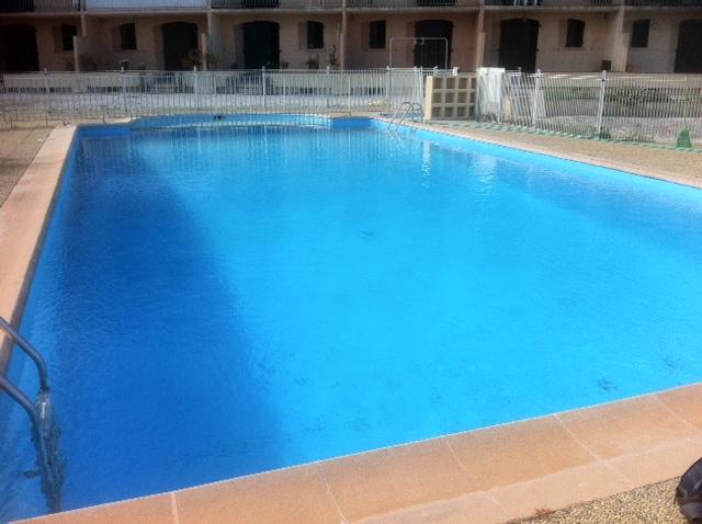 Le nettoyage piscine les contrats d 39 entretien entretien for Nettoyage piscine