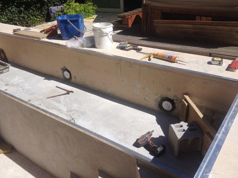 Design renovation piscine beton var aixen provence 3833 for Constructeur piscine beton var