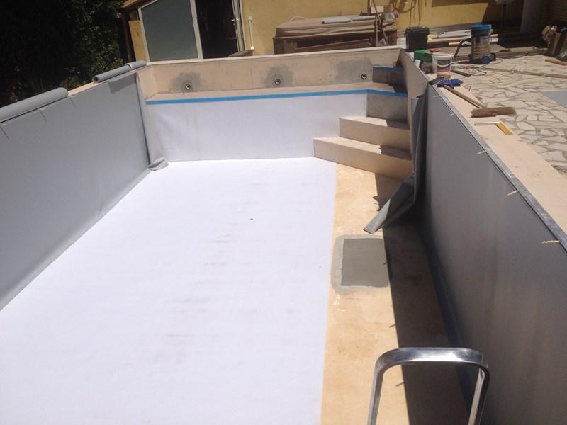 Modification d 39 une piscine ollioules cr ation d 39 une for Piscine chlore trop bas