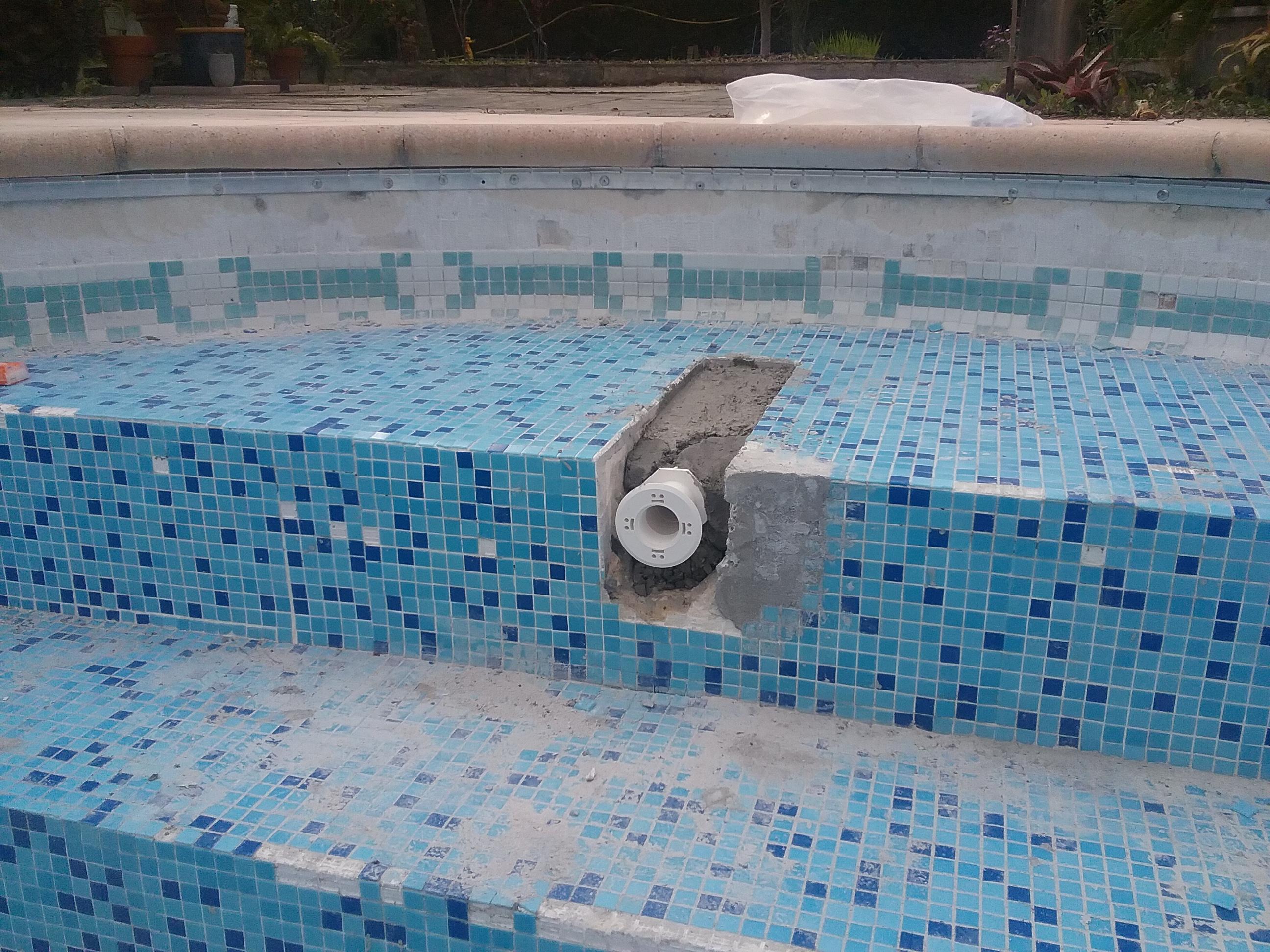 Remplacer Un Carreau De Carrelage rénovation piscine carrelée - changer le revêtement d'une