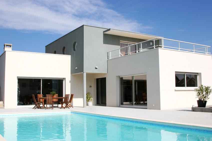 Quelle taille et forme de piscine choisir les infos de for Quel budget pour construire une maison